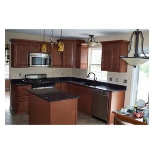 Incredible American Woodmark Cabinets Houzz Beutiful Home Inspiration Cosmmahrainfo