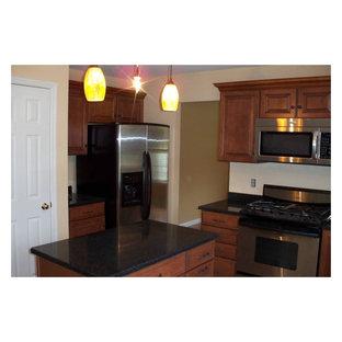 Admirable American Woodmark Cabinets Houzz Beutiful Home Inspiration Cosmmahrainfo