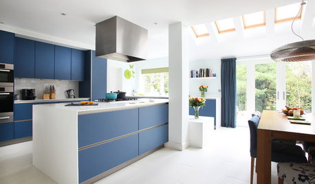 Look Ma, No Hands: Tips to Designing a Handleless Kitchen