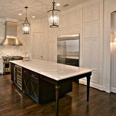 Modern Kitchen by Isler Homes