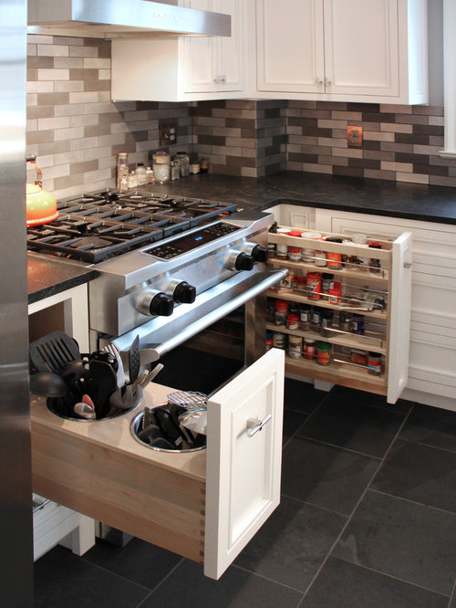 Eat in kitchen design ideas renovations photos with for Kitchen slate floor white cabinets
