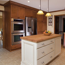 Kitchen by Designs by BSB