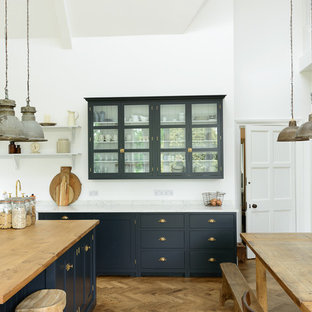 Transitional kitchen designs - Inspiration for a transitional kitchen remodel in Other