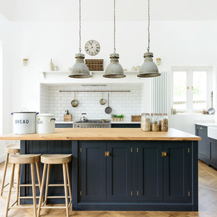 An Arts and Crafts Kitchen in Kent by deVOL