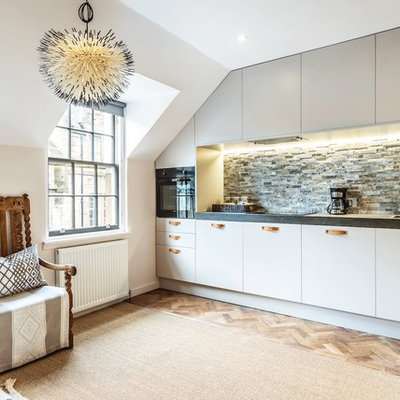 Inspiration for an eclectic single-wall kitchen remodel in Edinburgh