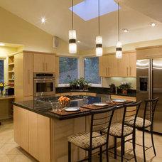 Contemporary Kitchen by AND Interior Design Studio