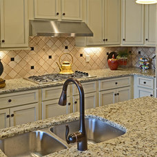 Traditional Kitchen by Magnolia Homes, Inc.