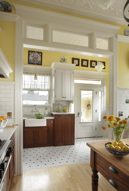 Traditional Kitchen by Arciform