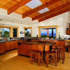 Tropical Kitchen by Maui Architectural Group Inc