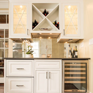 Kitchen - transitional kitchen idea in Atlanta