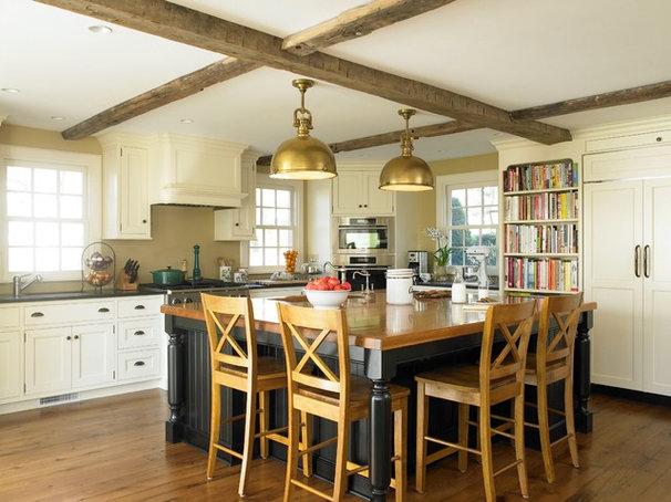 Traditional Kitchen by Christine Donner Kitchen Design Inc.