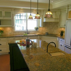 Traditional Kitchen by Jil Sonia Interiors