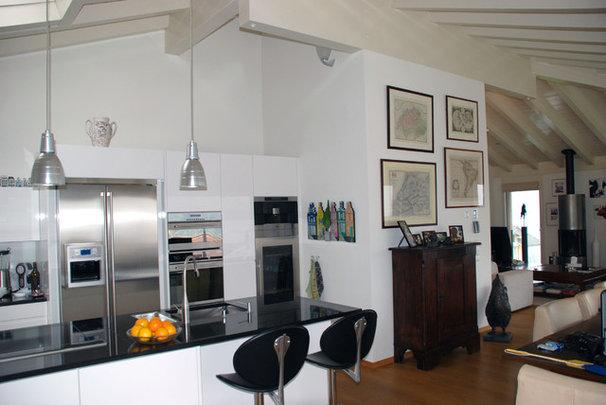 Modern Kitchen by Jules van de Ven