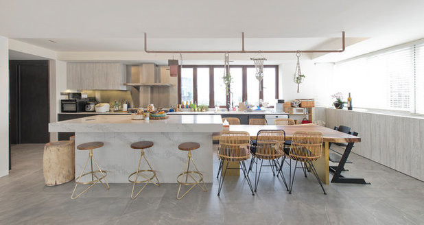 Coastal Kitchen by Architology