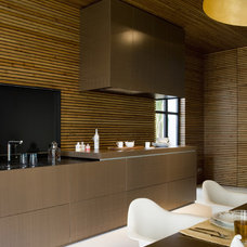Contemporary Kitchen by YLAB Arquitectos