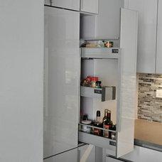 Contemporary Kitchen by KBR Design & Build