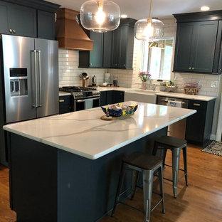 Modern kitchen ideas - Inspiration for a modern kitchen remodel in Raleigh