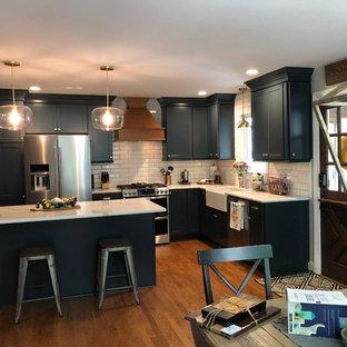 Modern kitchen designs - Minimalist kitchen photo in Raleigh