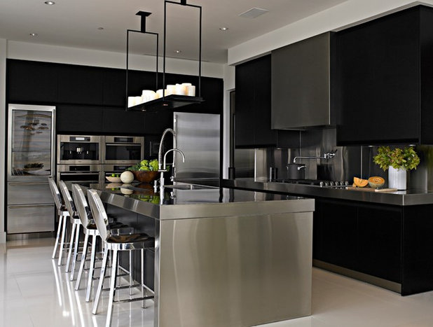 Contemporary Kitchen by WECSELMAN DESIGN