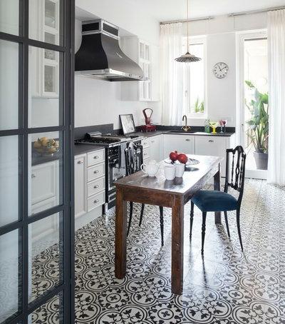 Farmhouse Kitchen by Claudia Ponti architetto