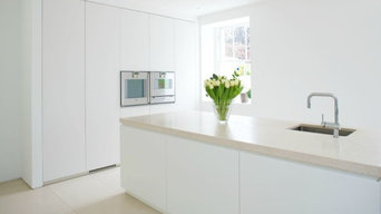 Appian Way - Contemporary Kitchen