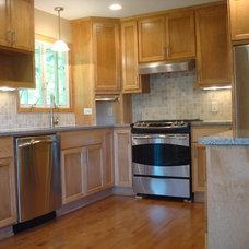 Craftsman Kitchen by Best Buy Construction, Inc.