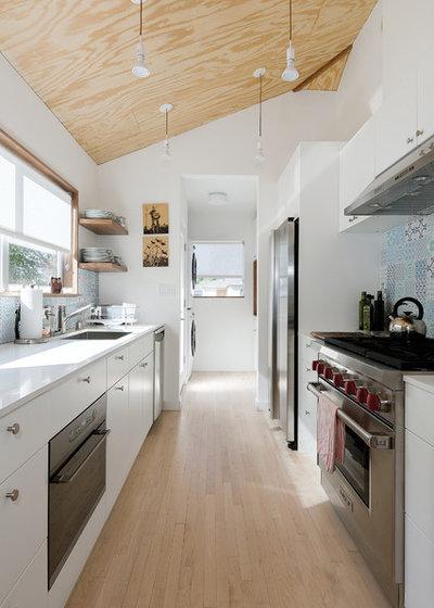Scandinavian Kitchen by ras-a, inc.