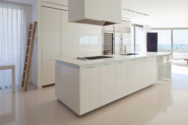Modern Kitchen by Gerstner