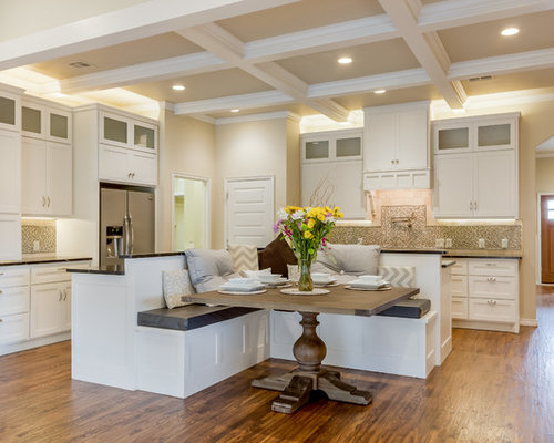 Inspiration for a transitional kitchen remodel in Oklahoma City