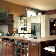 Traditional Kitchen by Metric Homes