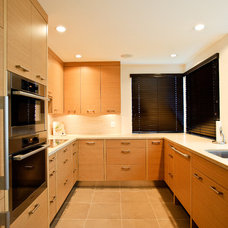 Contemporary Kitchen by Interior Solutions Design Group Inc.
