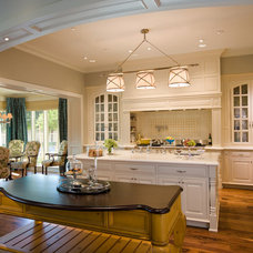 Traditional Kitchen by PHX Architecture