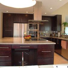 Contemporary Kitchen by Jeremy Parcels - S&W Kitchens, Inc.
