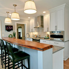 Traditional Kitchen by Blue Hot Design
