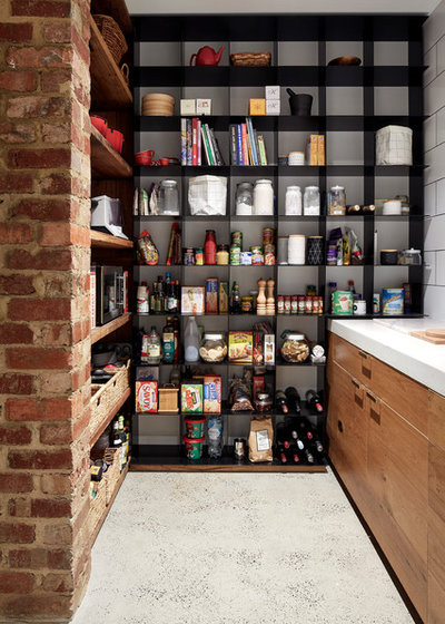 Industrial Kitchen by PLANtoBUILD