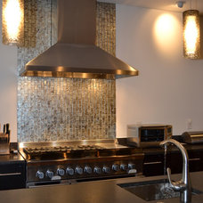 Contemporary Kitchen by MODA FLOORS AND INTERIORS