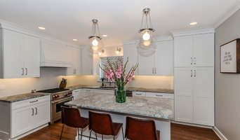 Arlington Heights Simply Defined Transitional White Kitchen
