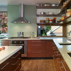 contemporary kitchen by Thorsen Construction
