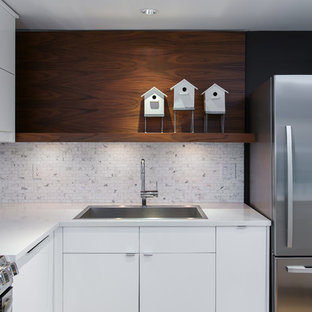 Inspiration for a modern kitchen remodel in Vancouver with stainless steel appliances