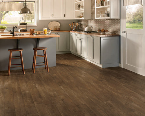 Armstrong wood floor kitchen design ideas renovations for Armstrong kitchen cabinets reviews
