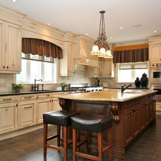 Traditional Kitchen by Masterplan Residential Drafting and Design