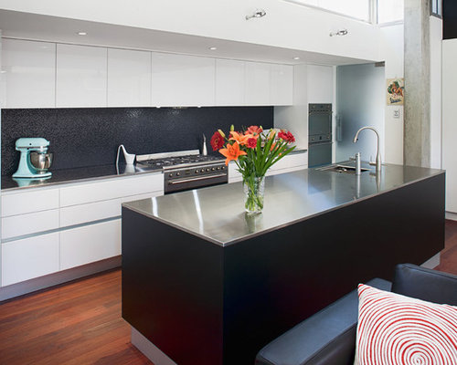 256 Kitchen Design Photos with Porcelain Splashback and an Integrated ...