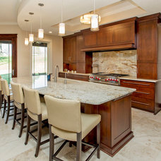 Traditional Kitchen by Homes by DePhillips