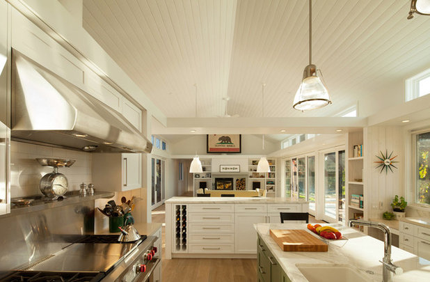 Farmhouse Kitchen by Gast Architects