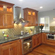 Craftsman Kitchen by THE KITCHEN LADY, Enriching Homes With Style