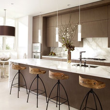 Modern Kitchen by Clayton Gray Home
