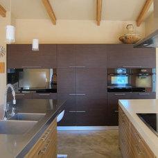 Modern Kitchen by mark rusconi architects