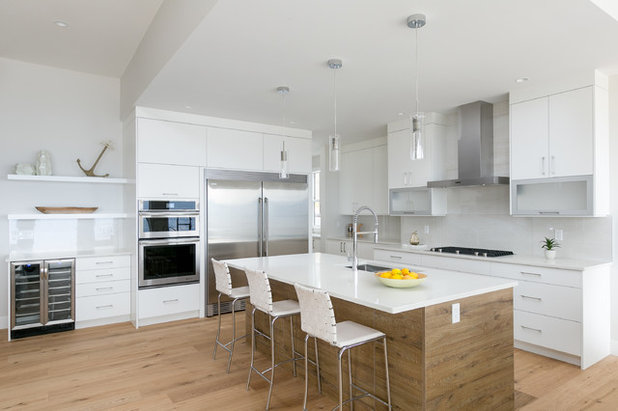 Contemporary Kitchen by WAMCO Homes