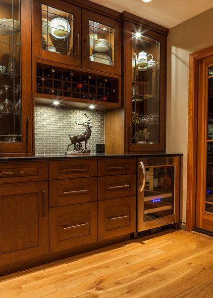 Craftsman Kitchen by South Shore Cabinetry Ltd.