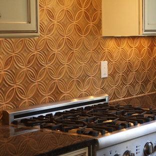 Modern kitchen ideas - Minimalist kitchen photo in New York